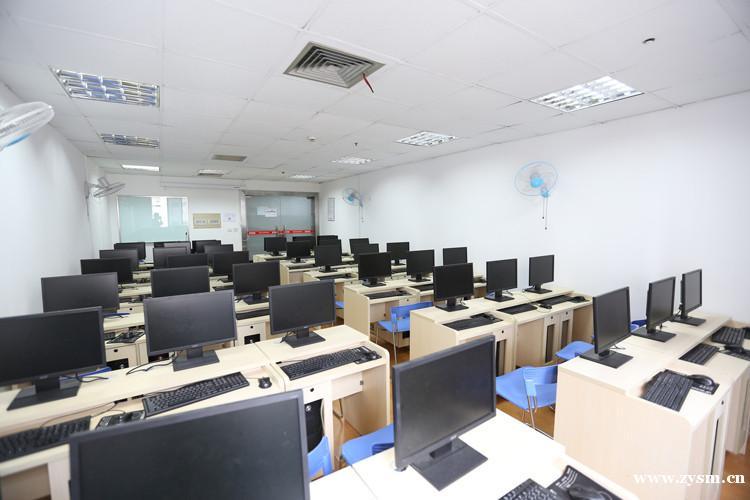 电脑培训环境图